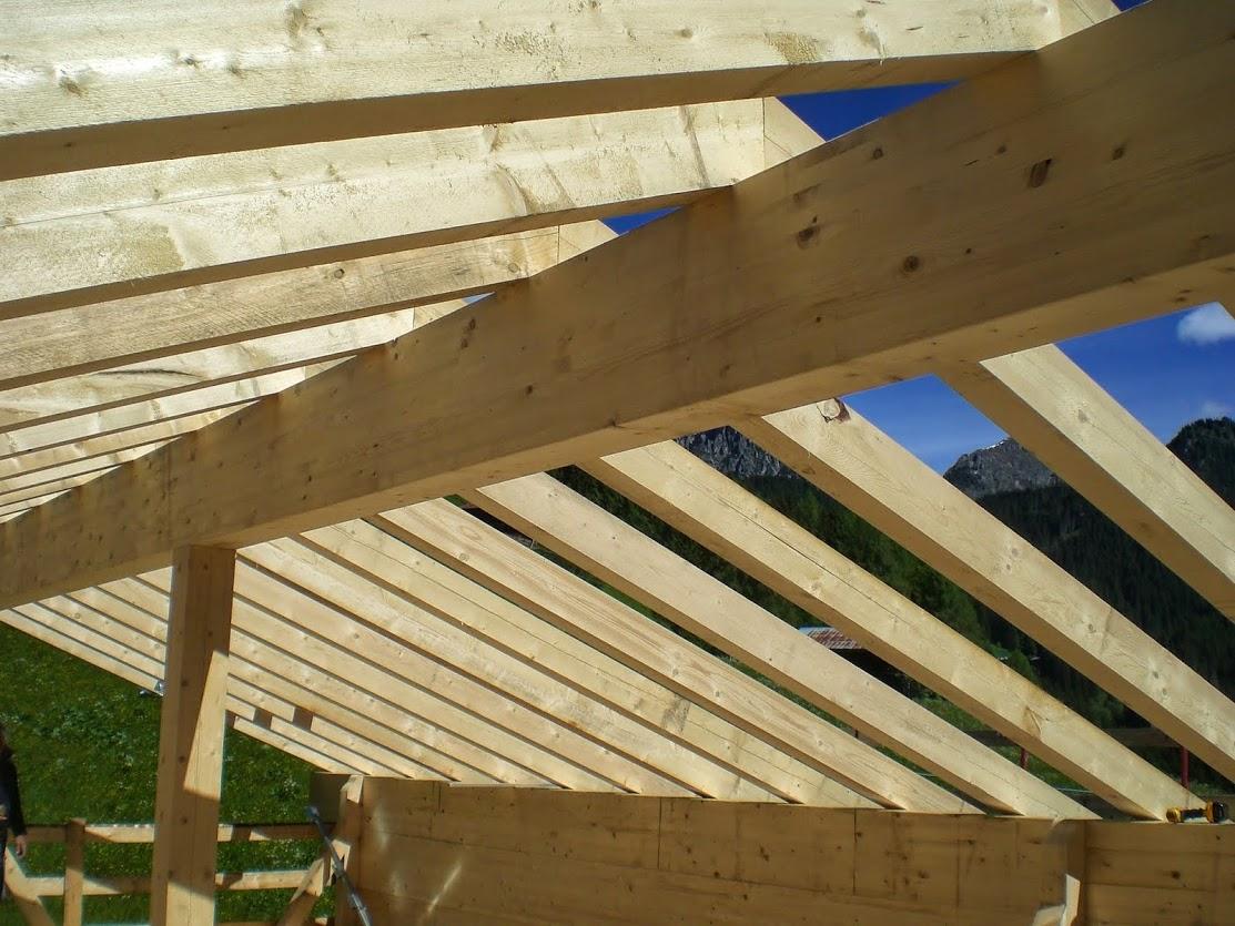 Carpenteria legno bioedilizia cadore comelico dolomiti for Tetti in legno particolari costruttivi