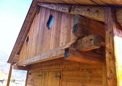 Rivestimento in legno vecchio di recupero