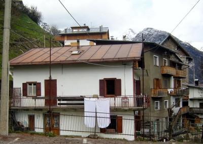 Edificio sito in Fr. di Valle, San Pietro di Cadore, rima della ristrutturazione