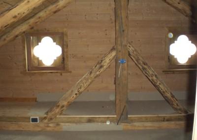 Recupero travatura originale del tetto mediante spazzolatura e trattamento del legno