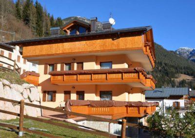 Edificio ad abitazione privata costruito in muratura con tetto doppio ventilato. Presenaio anno 2010